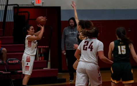 Girls' basketball strives to build off of sensational 17-18 season