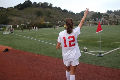 Redwood girls' varsity soccer team sinks Drake Pirates 3-0