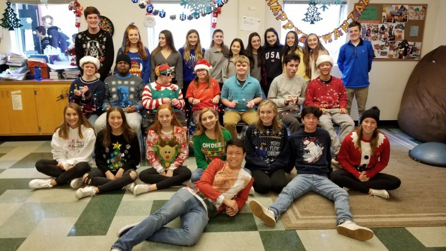 Leadership+students%2C+students+that+help+in+the+Special+Education+class%2C+and+Special+Education+students+pose+in+their+ugly+holiday+sweaters+from+Boudin+and+Ugly+Sweater+Day+on+December+7.
