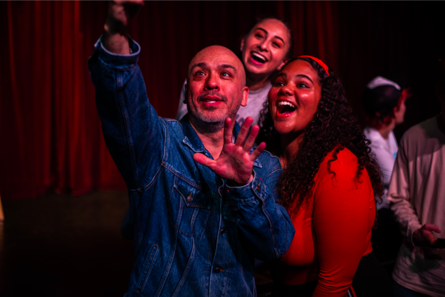 Comedian Jo Koy poses for a selfie with junior Lili Gibson and a friend after his question and answer session with Language of Humor students on Thursday, Jan. 10.