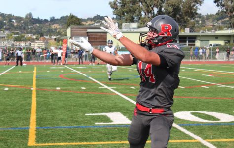 Varsity football perseveres in the game, but loses to Marin Catholic 14-0