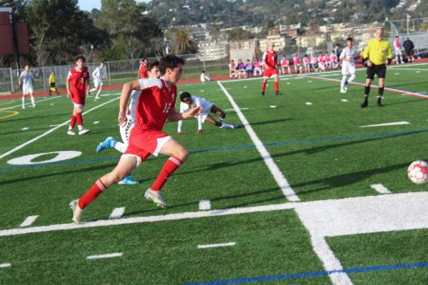 Boys' varsity soccer stampedes over San Rafael in senior game