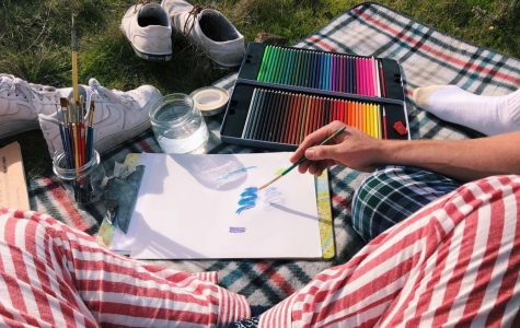 Drawing and painting the view, senior couple Willie Sine and Annika Geissberger recommend an artsy date for those hoping to spend time with one another in nature.