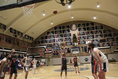 Late comeback by boys' varsity basketball falls short in thrilling game vs. Marin Catholic